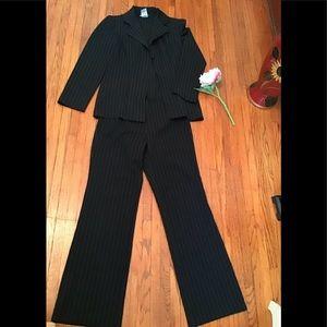 Tops - Breakin Loose set suit  Black pinstripes size 9/10